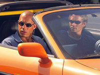 Dominic Toretto en Brian O'Connor in de Toyota Supra