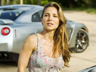 Elena Neves (Elsa Pataky)
